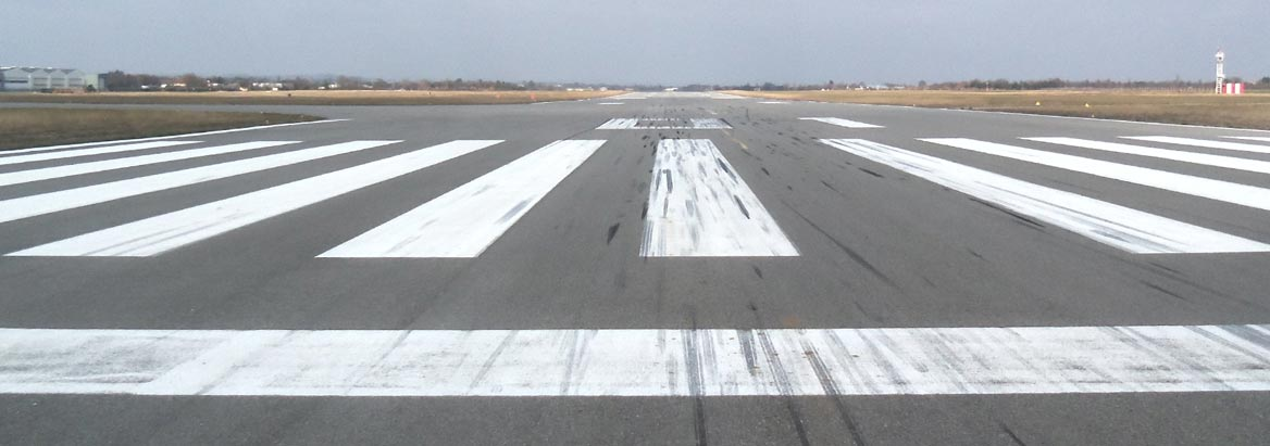 Aéroport Valence chabeuil : piste atterrissage